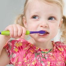 Thói quen gây bệnh sâu răng và nha chu ở trẻ