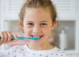 Vì sao chỉ chải răng thôi là chưa đủ ?