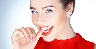 Vì sao Công nghệ tẩy trắng răng Laser Whitening lại có chi phí điều trị cao?